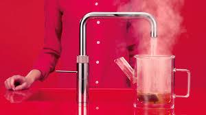 <p>&nbsp&#x3B;</p><p>&nbsp&#x3B;</p><p><u><strong>Der Quooker Combi&nbsp&#x3B;</strong></u>&nbsp&#x3B;&nbsp&#x3B;&nbsp&#x3B;&nbsp&#x3B;</p><p>Kaltes, warmes und kochendes Wasser aus einem einzigen Wasserhan.&nbsp&#x3B;&nbsp&#x3B;&nbsp&#x3B;Gerne beraten wir Sie in unserem Ausstellungsraum.</p><p>&nbsp&#x3B;</p>